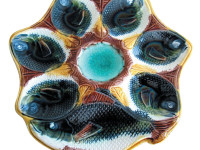 Serve Oysters the Hip Way with Antique Oyster Plates
