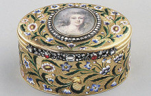 Antique Detective: Recognizing Antique Snuff Boxes