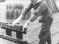 'Canaries' — Women Munitions Workers in World War I